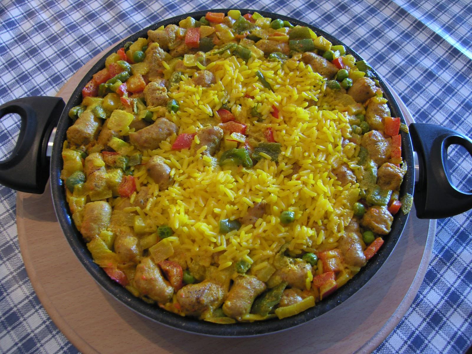 Paella de arroz con salchichas recetas de cocina - Cocina con sara paella ...
