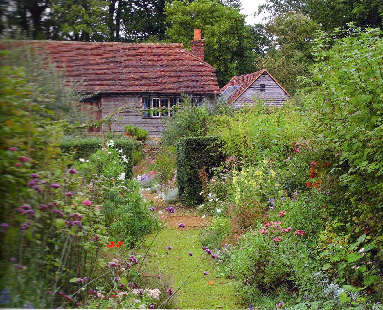 Gertrude Jekyll Gardens >> Kitchens I Have Loved