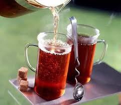 دراسة : كوبان من الشاى يوميا يزيدان من فرص الحمل
