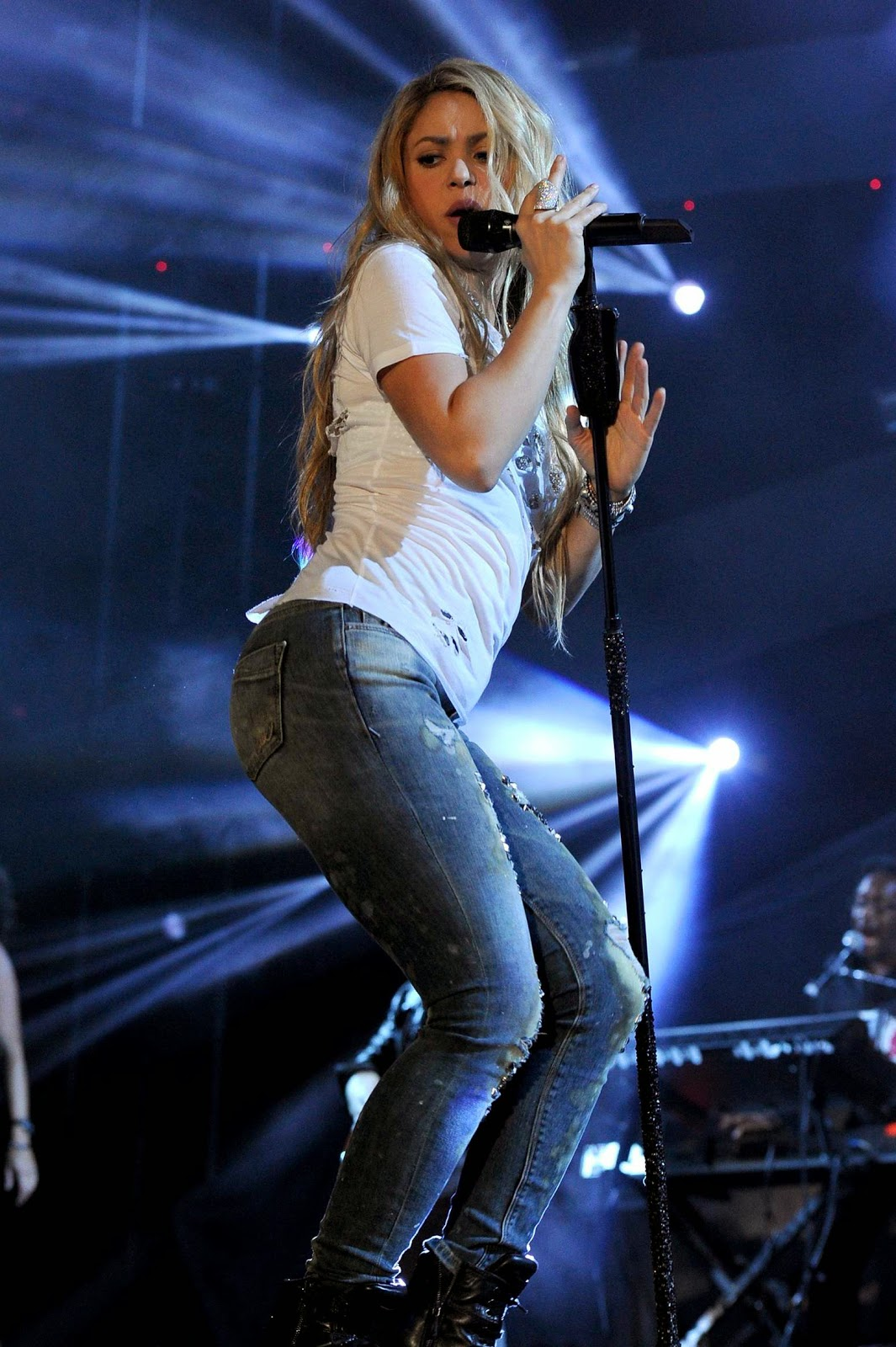 Camila cabello sexy dancing body rock live - 1 part 2