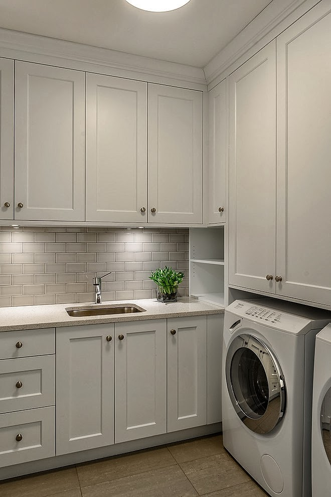 Laundry room in Stunning Canadian beach home
