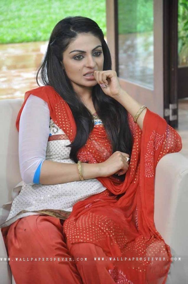 Neeru Bajwa In Punjabi Suits Neeru Bajwa Beautifull...