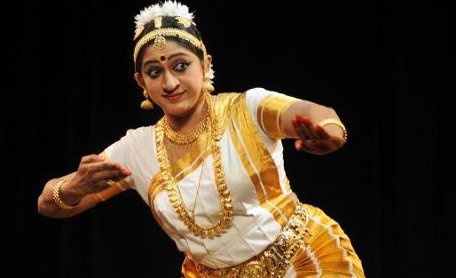Mohiniyattam by Smitha Rajan. Photo Courtesy | R. Ravindran (The Hindu)