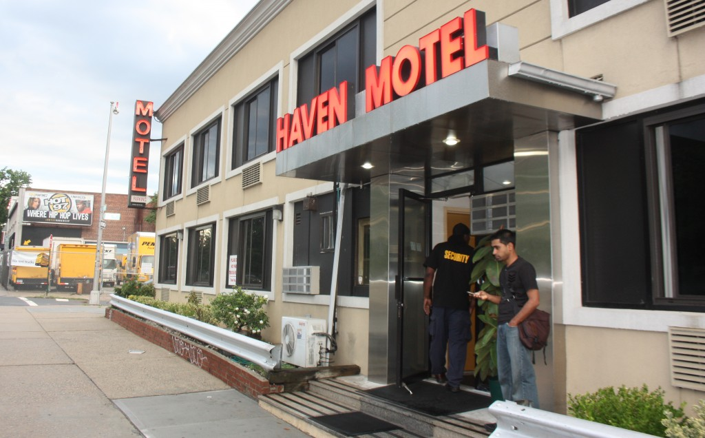 Queens crap haven still a no tell motel for Kew motor inn jamaica ny