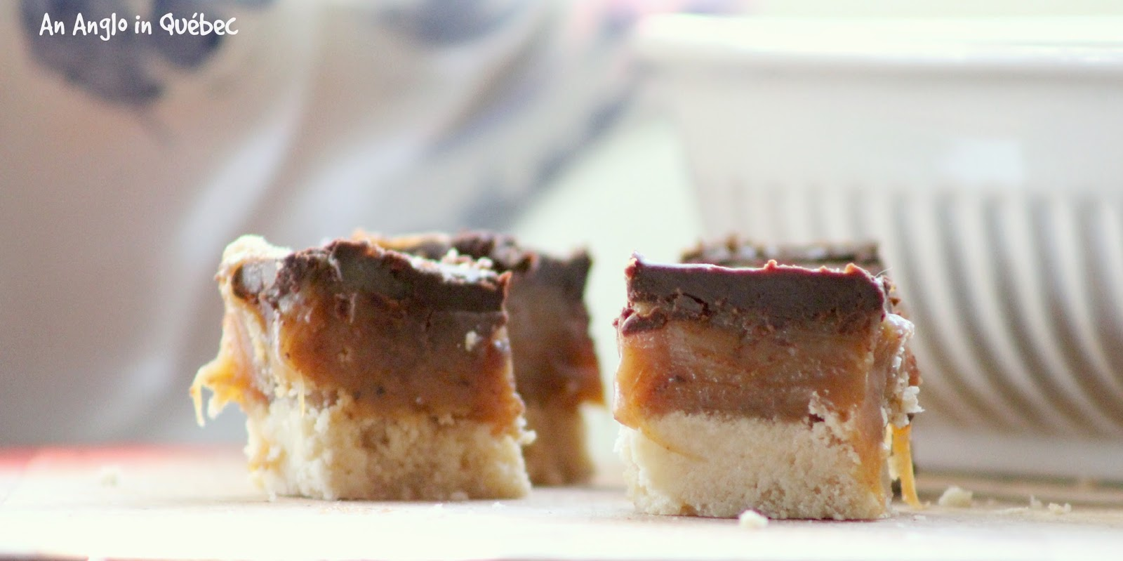 http://anangloinquebec.blogspot.ca/2014/12/salty-chocolate-caramel-bars.html