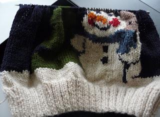 sweter świąteczny na drutach