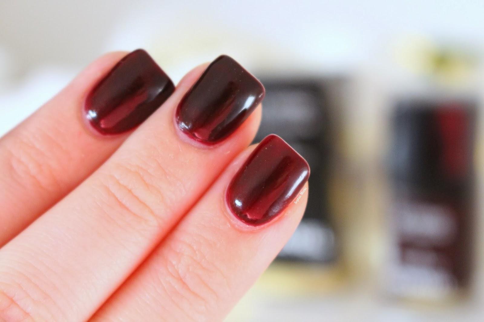 Chanel Le Vernis | Rouge Noir | Sophia Meola | A Beauty, Fashion ...