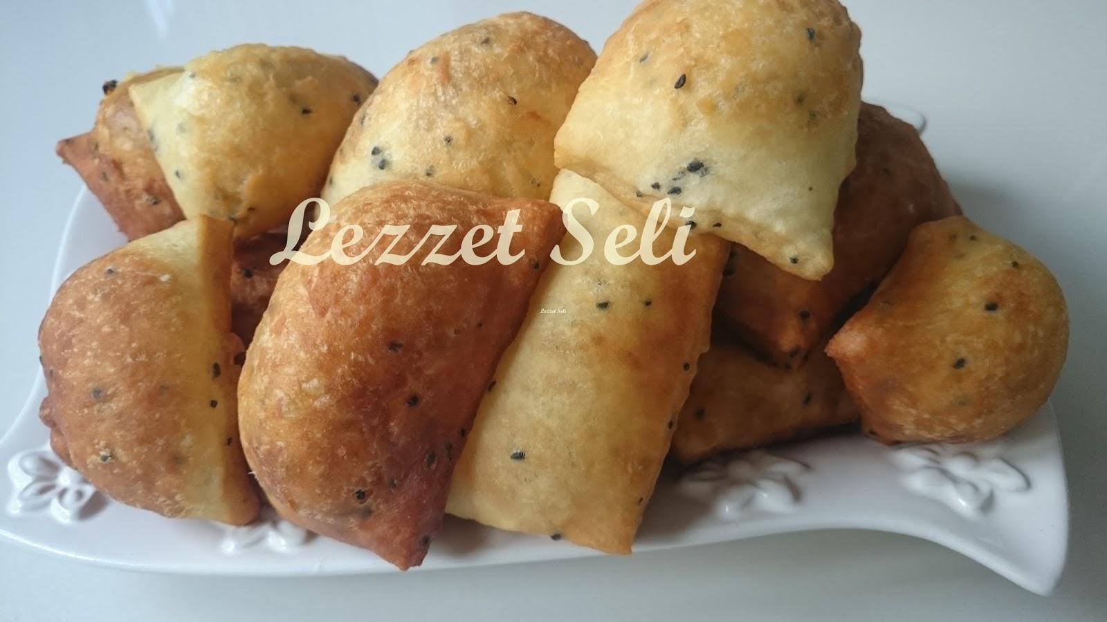 Otlu Peynirli Puf Böreği Tarifi