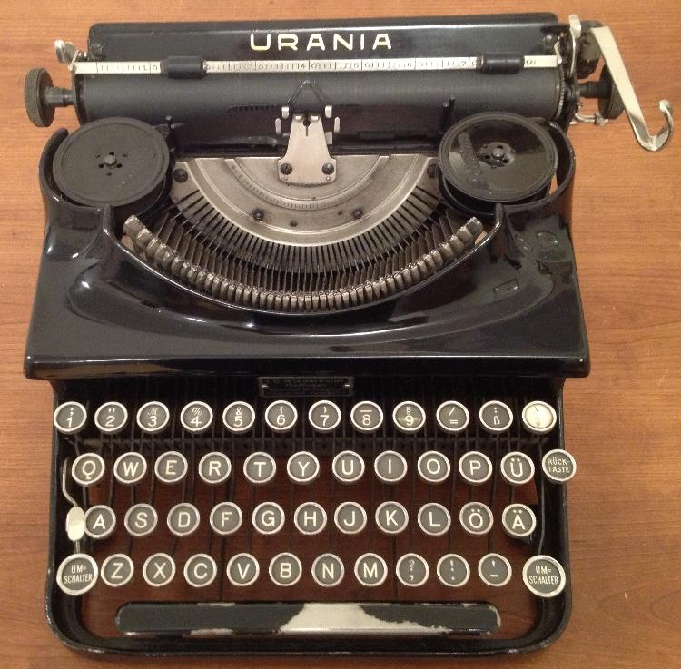 Davis Typewriter Works: Klein-Urania