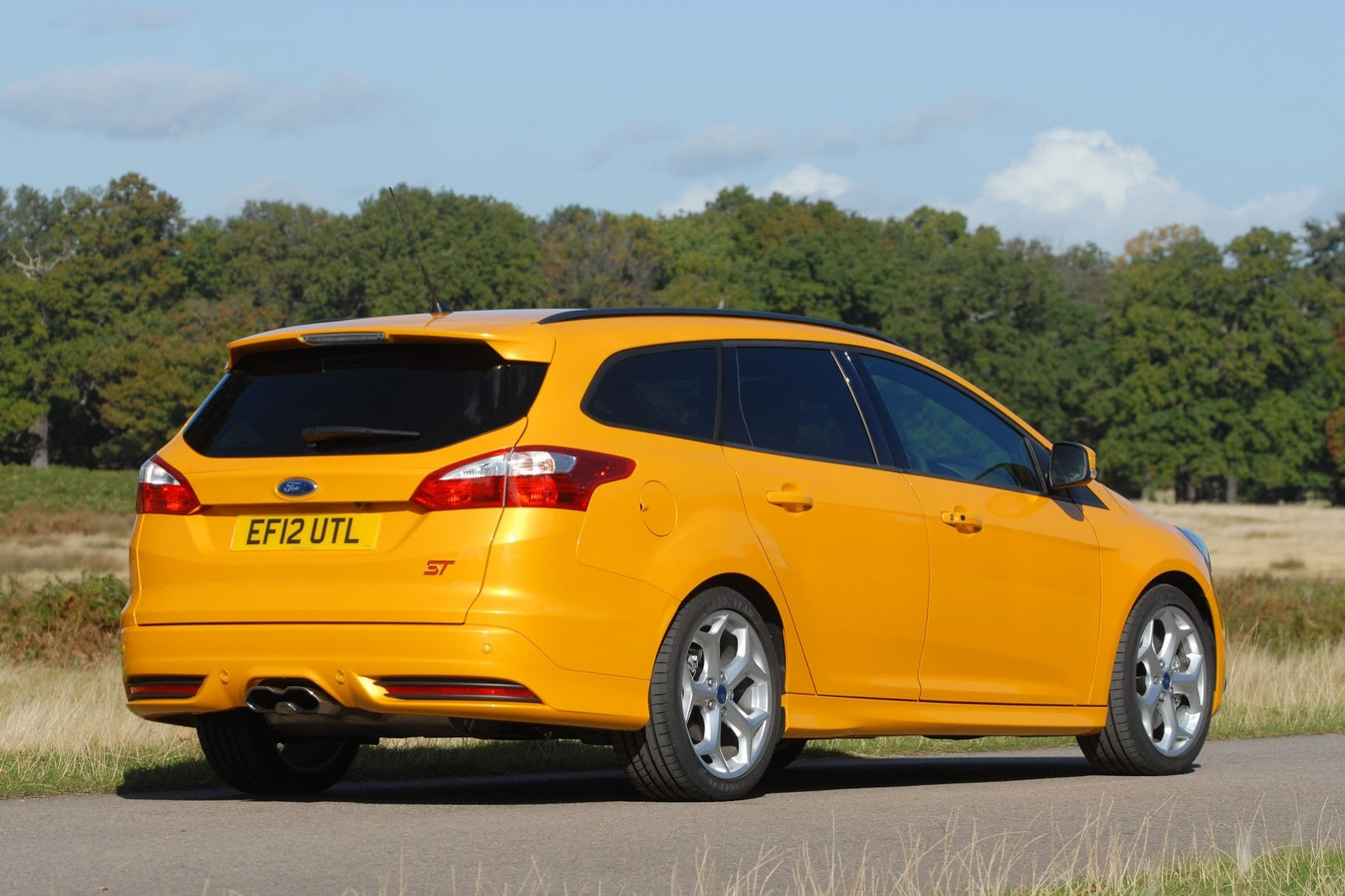all cars nz 2013 ford focus st estate. Black Bedroom Furniture Sets. Home Design Ideas