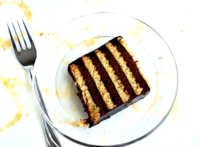 kolay pasta,kolay yaş pasta,pudingli pasta tarifleri ,kakaolu puding