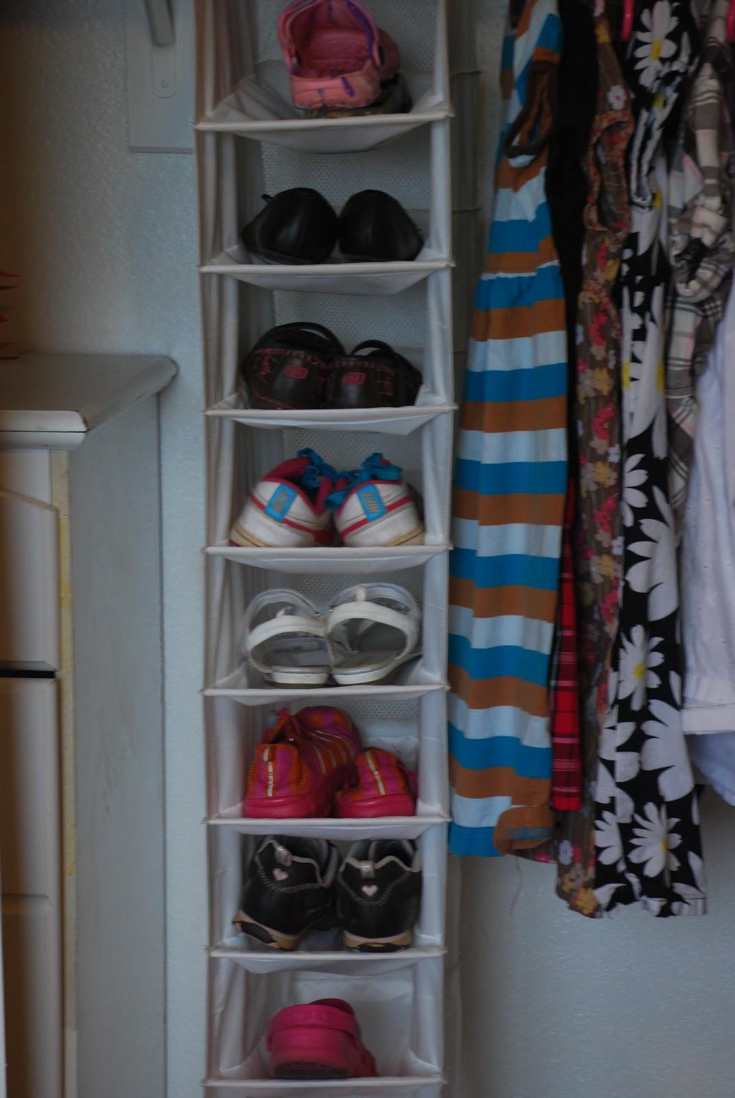 Подвесные полочки в шкаф своими руками 529
