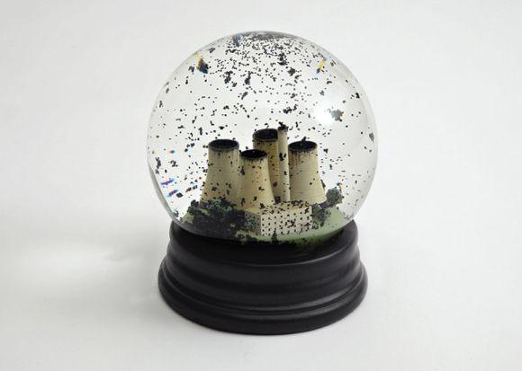 wearedorothy globos de neve poluição usina carvão cinzas