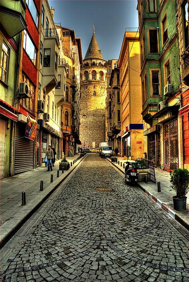 Galata Tower ( Galata Kulesi ) ~ ISTANBULS