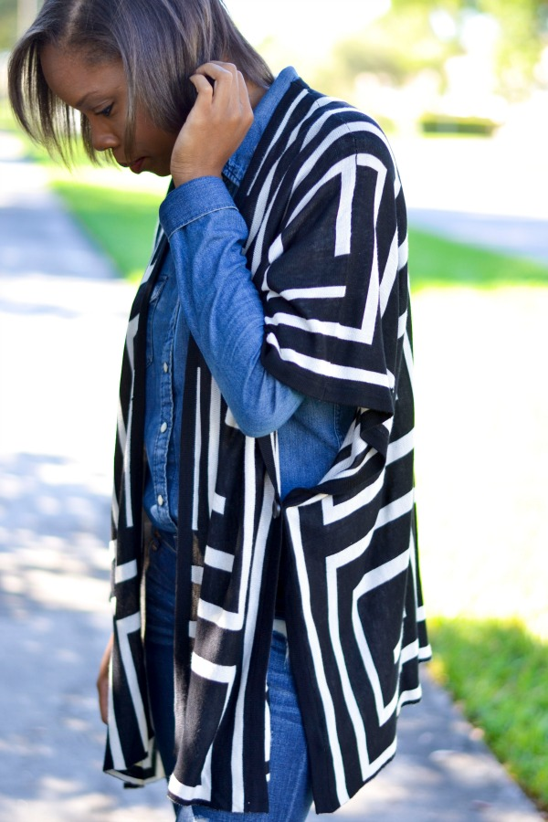 How To Wear A Poncho | Denim on Denim | Fall Outfit Ideas