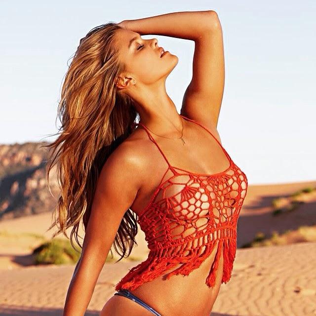 Casi un topless de Nina Agdal