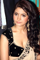 hot, sexy,Anushka Sharma,saree, deep cleavage, show