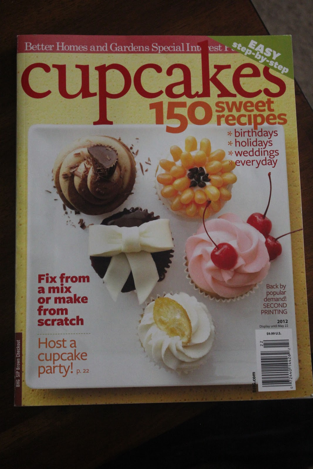 savor the baking feature fridays cupcakes magazine. Black Bedroom Furniture Sets. Home Design Ideas