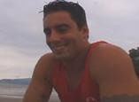 Salva-vidas do pauzão fode garotão na praia