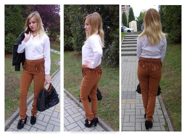 Rude spodnie z frędzlami DIY w połączeniu z białą bluzką