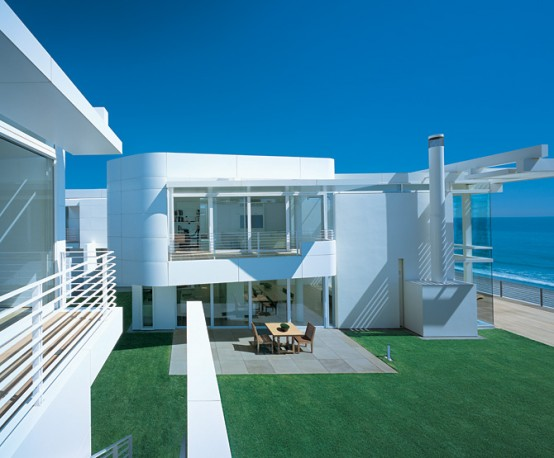 Home decor design modern beach house with white exterior for Modern beach house architecture