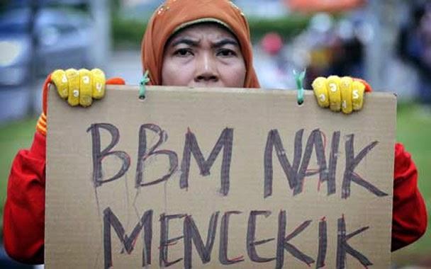 Naikan harga BBM, Jokowi cetak rekor