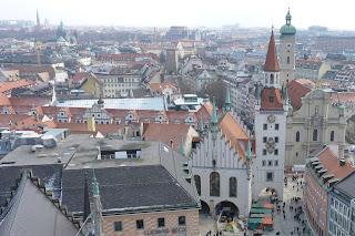 Altes Rathaus desde la torre del Nuevo Ayuntamiento.
