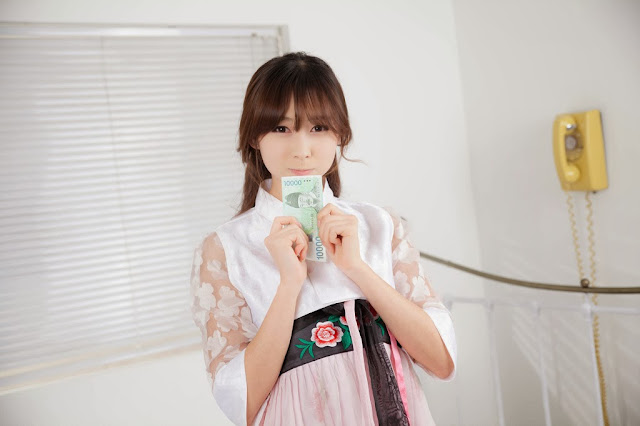 1 Seo Han Bit - In Maid Costume  - very cute asian girl-girlcute4u.blogspot.com