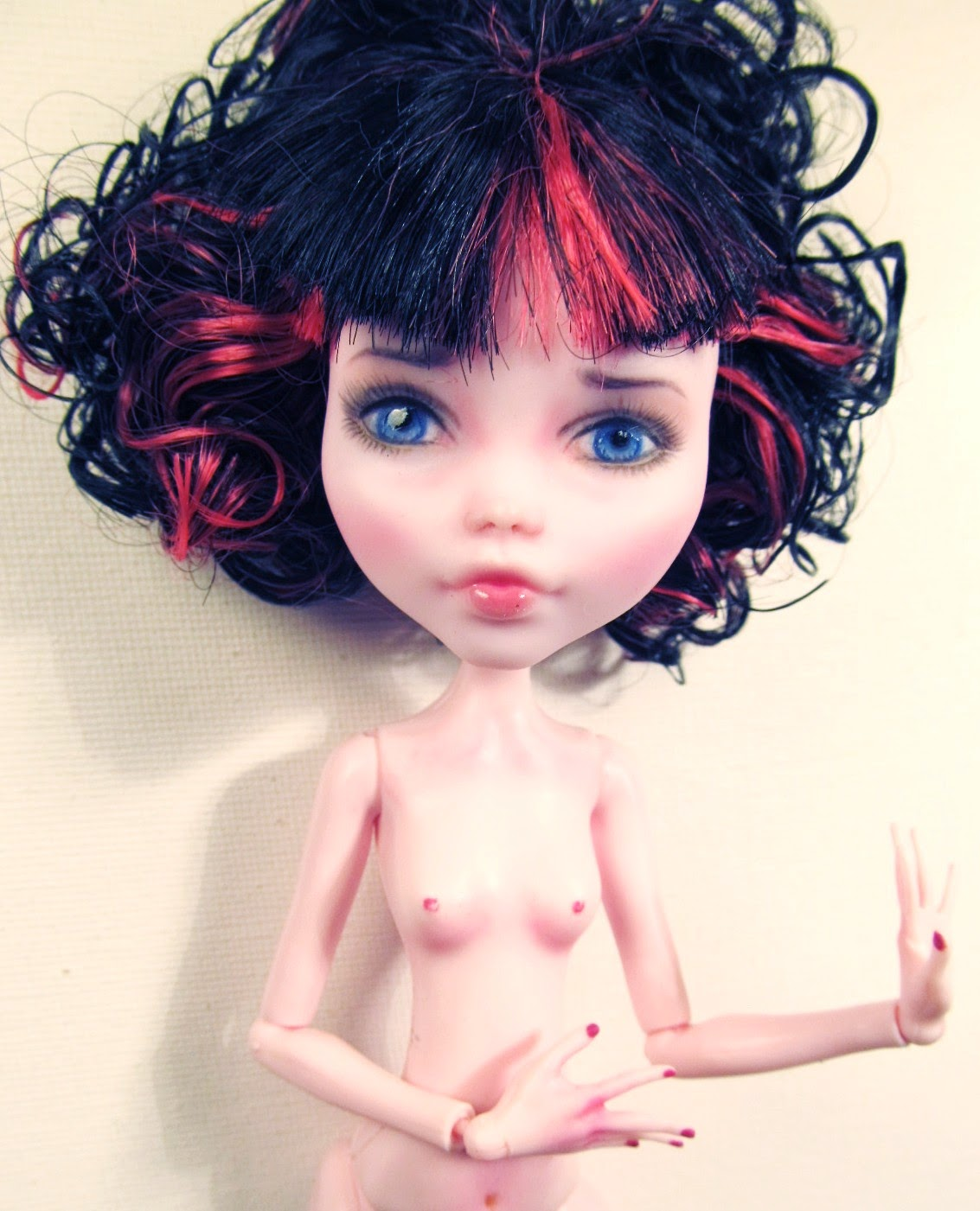 Repainted Draculaura Monster High Doll