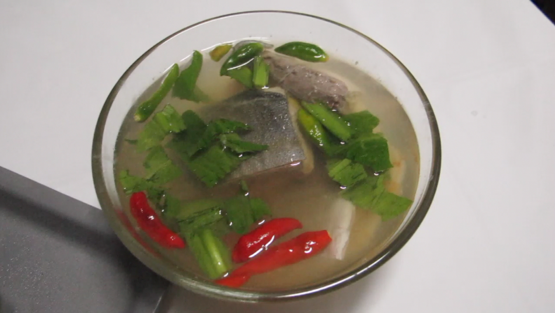 Kitchenaholics sour and spicy fish soup tom yum pla for Spicy fish soup
