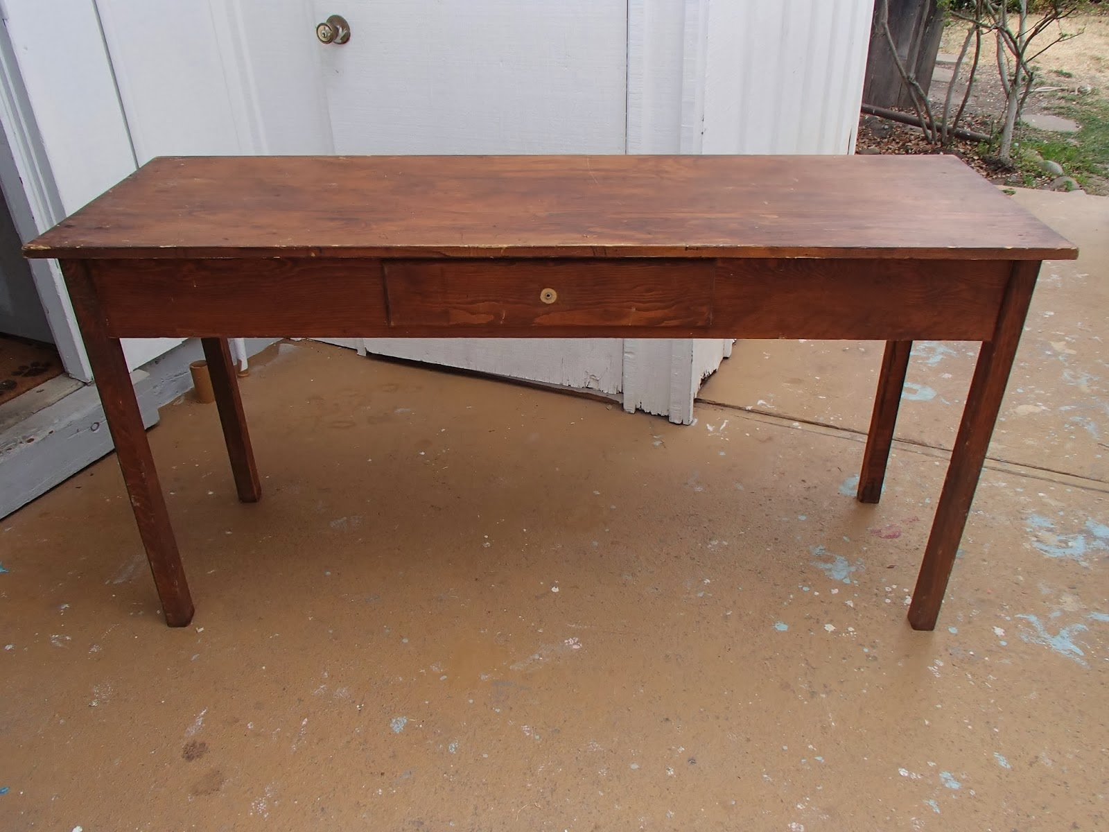 http://ddscottage.blogspot.com/2014/02/long-farm-tabledesk.html