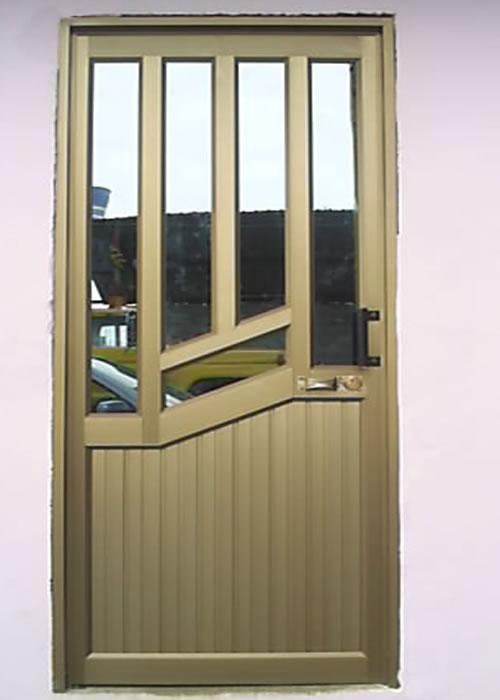 Carpiter a de aluminio pablo rodr guez puertas - Fotos puertas metalicas ...