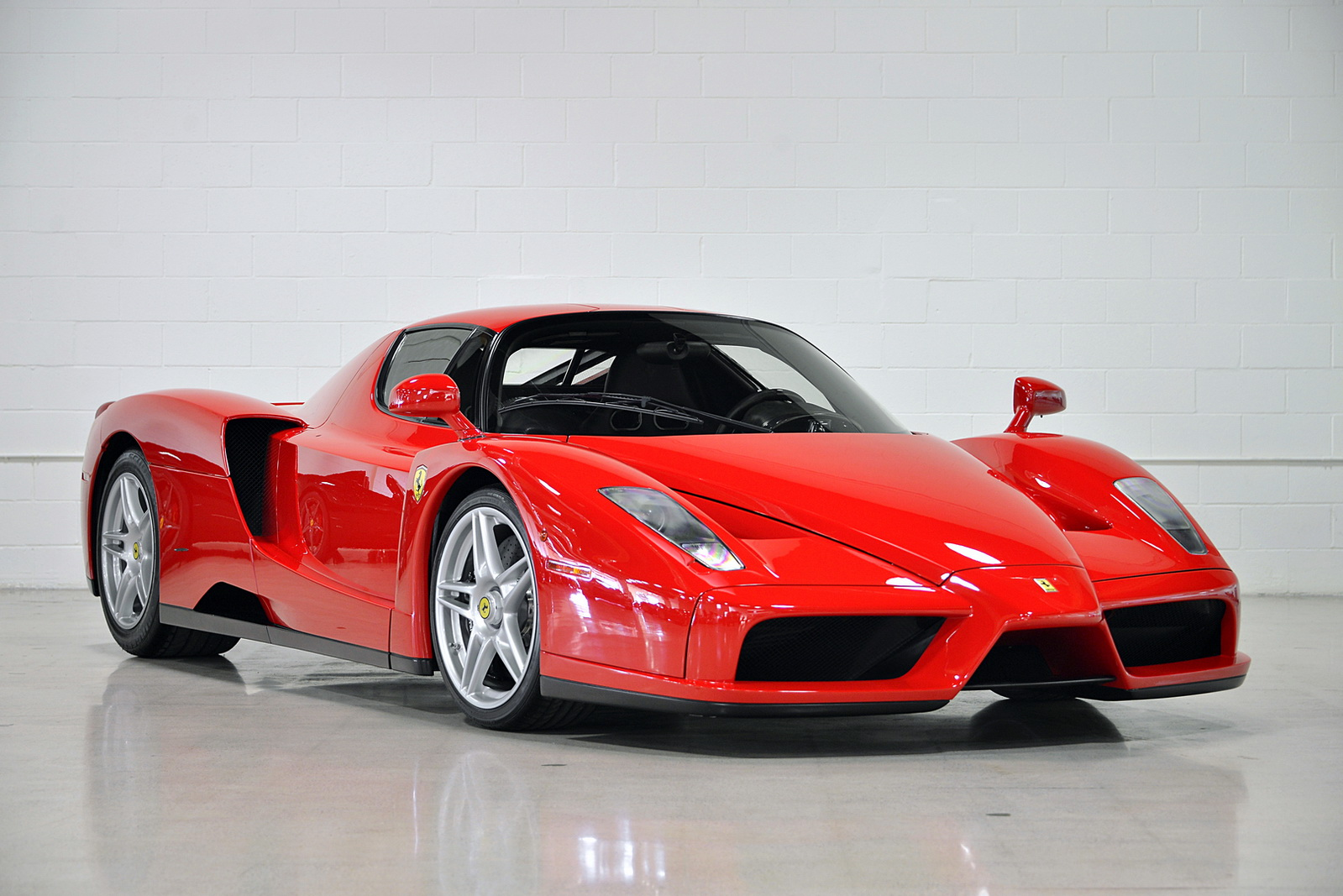 my precious ferrari enzo with just 354 miles for sale. Black Bedroom Furniture Sets. Home Design Ideas