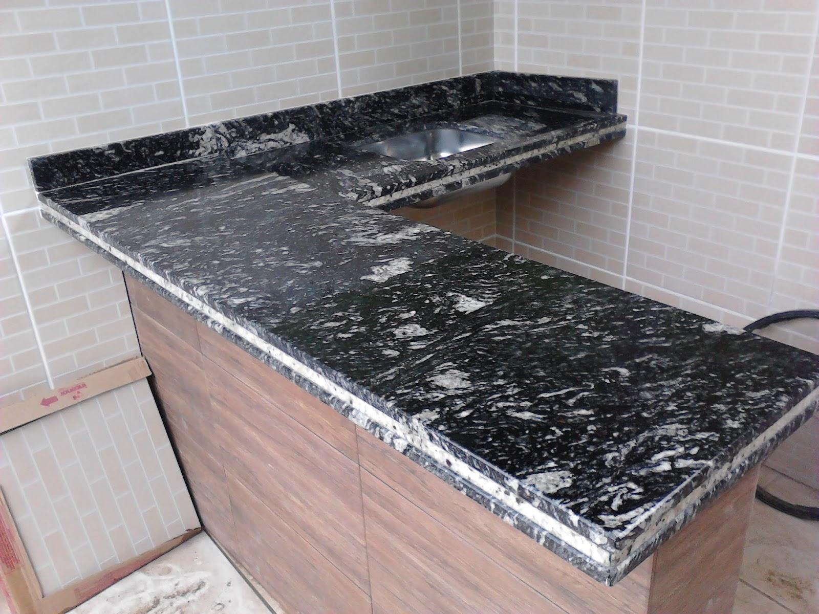 Granito Preto Indiano Pictures #7C5A4F 1600x1200 Banheiro Com Granito Preto Indiano