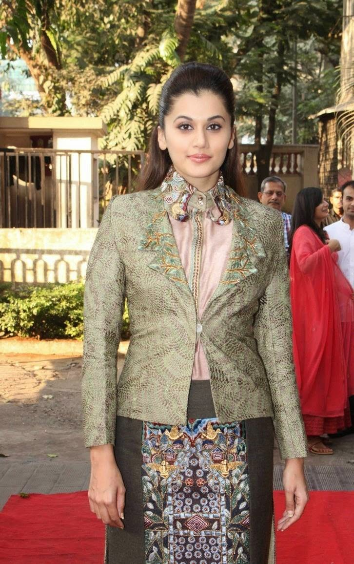 Actress Taapsee Pannu Latest Cute Hot Spicy Photos Gallery At DVAR Fashion