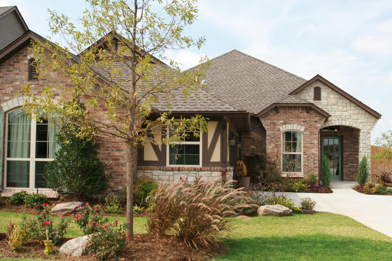 Brick Laminate Picture: Brick Homes