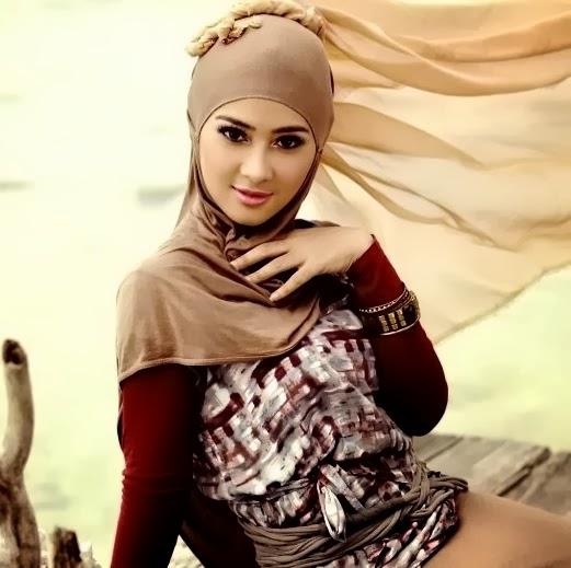 wanita asal indonesia ini berhasil menjadi wanita muslim tercantik s ...
