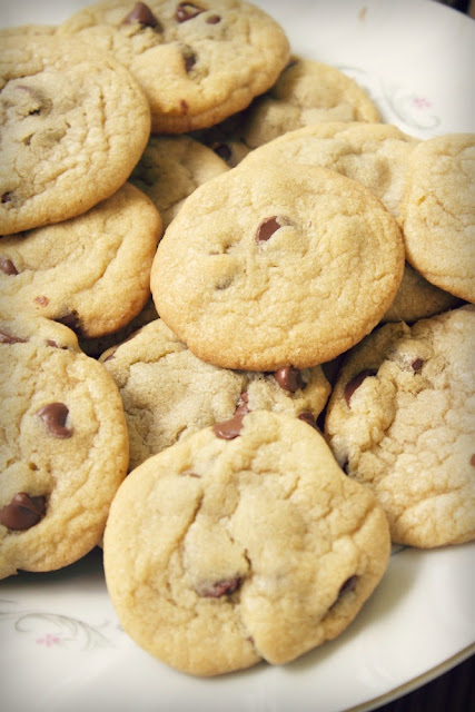 Delicious Chocolate Chip Cookies: the gooiest you'll ever enjoy | www.SongofSpiceandFire.com