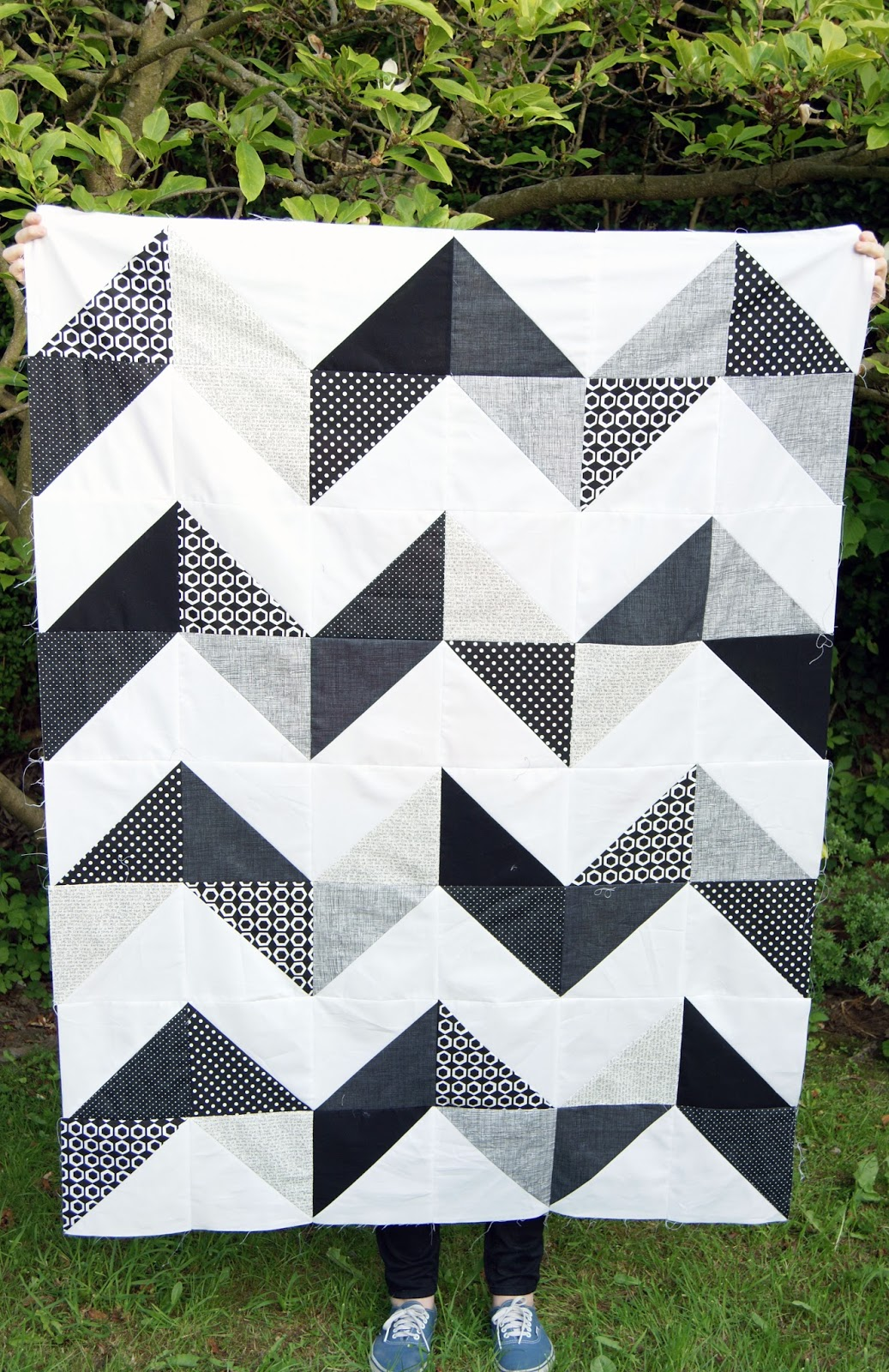 Quilting Designs For Chevron Quilts : Minnie Loves...: Chevron Quilt Top