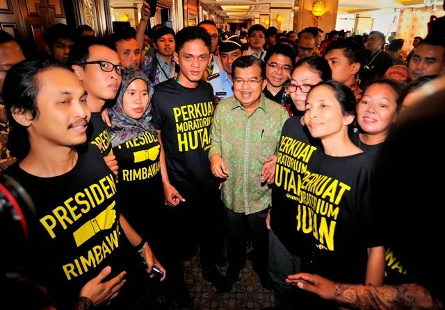 Aktivis Greenpeace Desak Presiden Jokowi Perpanjang Moratorium Hutan