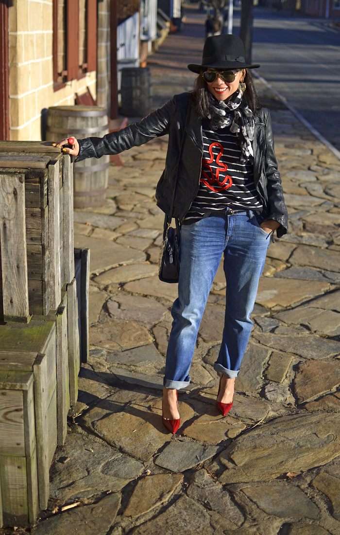 MOTORCYCLE JACKET WITH BOYFRIEND JEANS