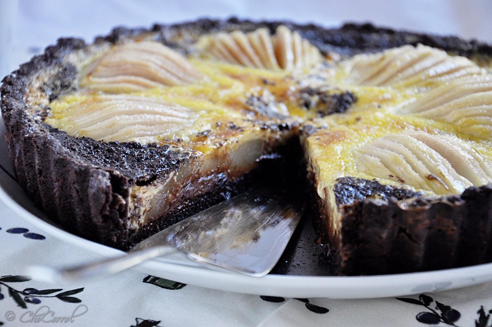 ... , TaSTeS, SmeLLS: chocolate pear tart/tarta de chocolate con peras