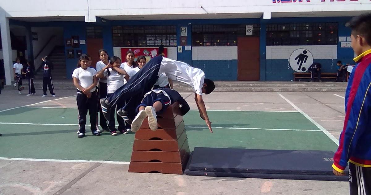 Educaci n f sica por juan cuba r salto lisa en el taburete for Gimnasia concepto