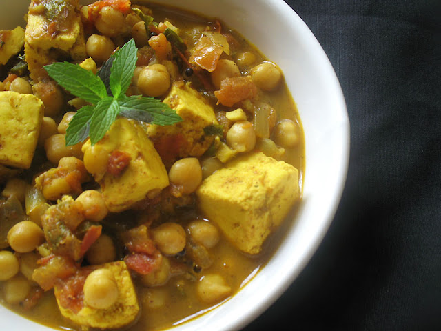 chickpea paneer tomato curry