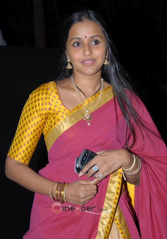 telugu pop singer smita photo gallery