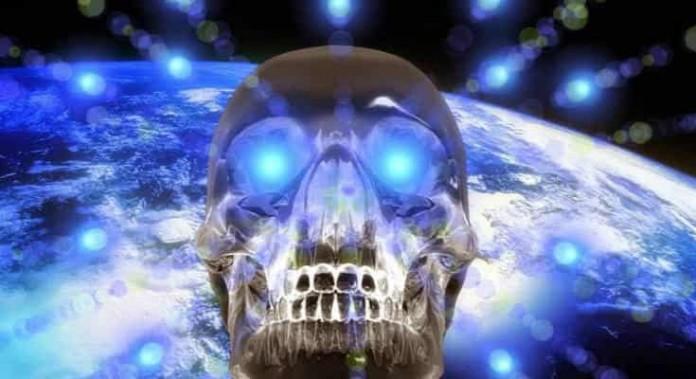 Κρυστάλλινα Κρανία από Όλον τον Πλανήτη (video)
