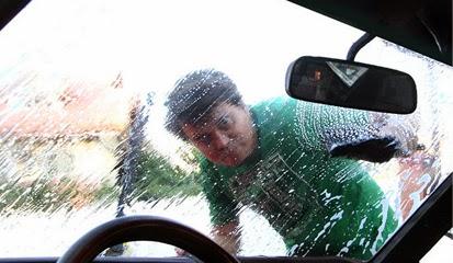 Dampak Air Hujan Terhadap Kerusakan Bagian Mobil