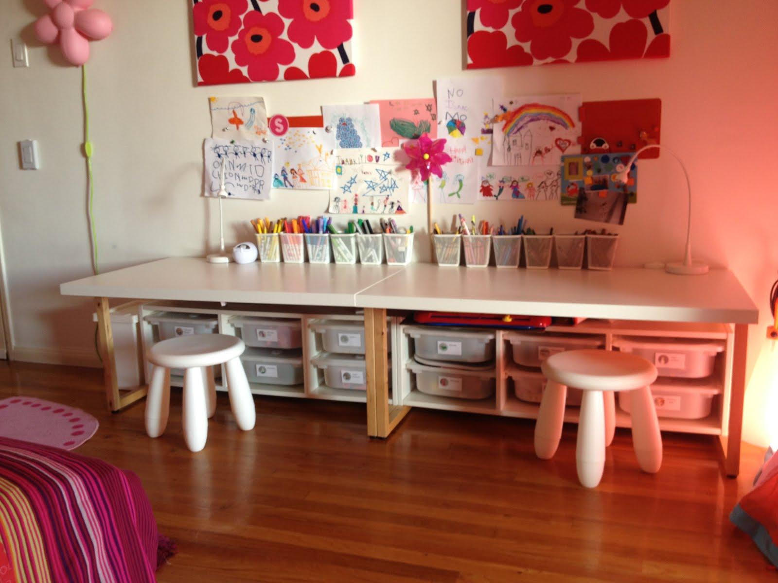 Toddler Desks Get Home Decorating