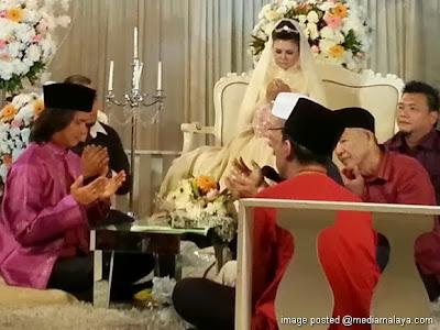 Majlis Pernikahan Raja Azmi dan Eddie Ghazali 5 Gambar