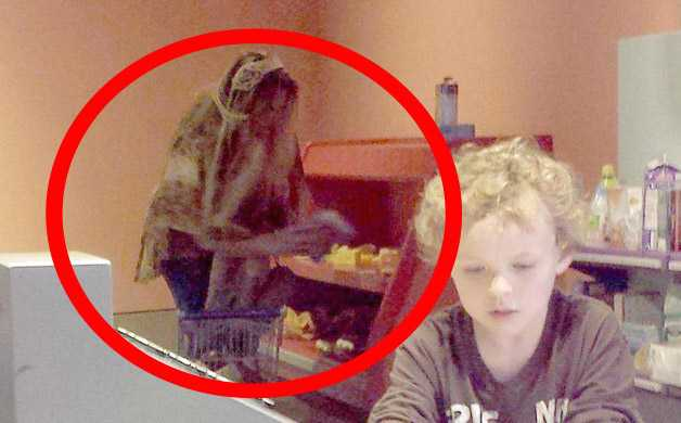 "Terrifying ""Ghost Photo"" Captured at Texas' Fort Worth Museum"